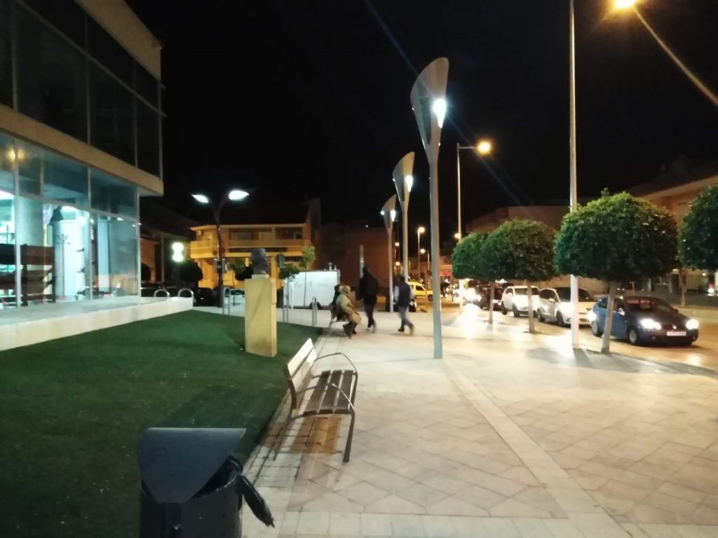 smart_solar_lighting_connects